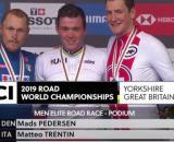 Il podio dei Mondiali di ciclismo 2019 con l'argento di Matteo Trentin