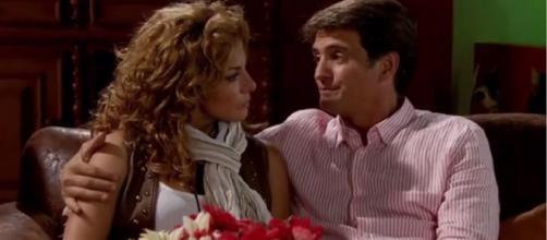 Jerônimo consola Renata. (Reprodução/Televisa)