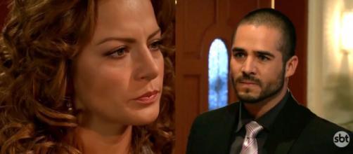 Matias quer que Renata fuja com ele. (Reprodução/SBT)