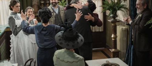 Una Vita, anticipazioni spagnole: Cesareo si sposa e se ne va con Arantxa