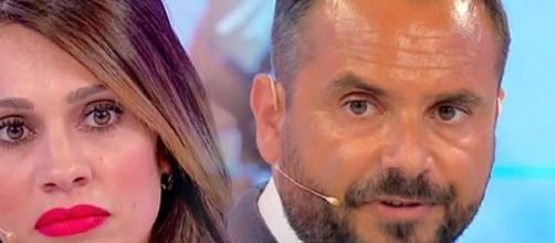 Uomini e Donne, Enzo Capo abbandona il programma e torna dall'ex ragazza.