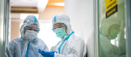 Cina, batterio della brucellosi sfuggito a un laboratorio: più di 3mila infettati.