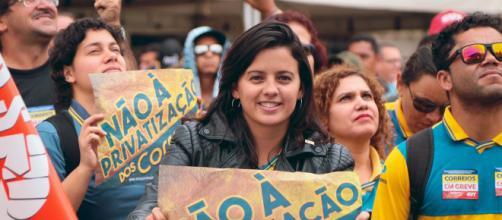 Um mês de greve dos Correios: luta contra precarização e ... - ufscaesquerda.com