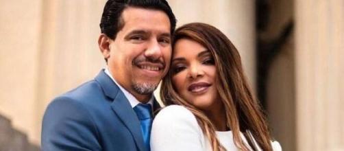 Flordelis em ensaio fotográfico com o marido, o pastor Anderson do Carmo. (Arquivo Blasting News)