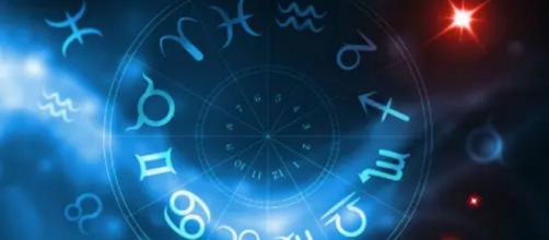 Previsioni oroscopo per la giornata di venerdì 4 settembre 2020.