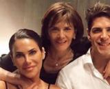 Carla Baber junto a su madre, Rosa, y su pareja, Diego Matamoros
