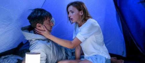 Spoiler Tempesta d'amore: Cornelia sbaglia tenda e bacia Robert.