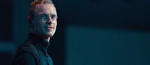 'Steve Jobs' (2015) retrata a vida, a morte e a genialidade do fundador da Apple.