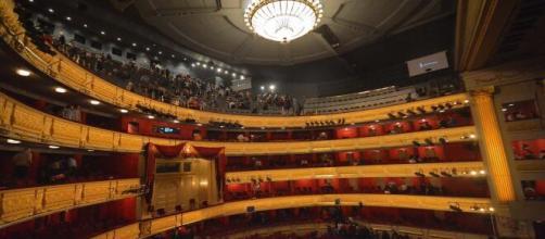 En la tarde-noche del domingo se vivió la suspensión de una opera de Verdi en el Teatro Real de Madrid.