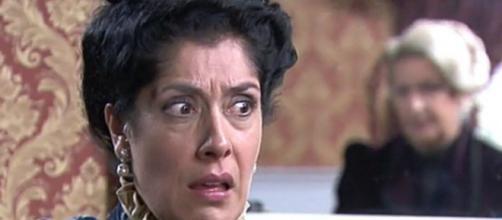 Spoiler Una vita: Rosina vuole partire per il Portogallo.
