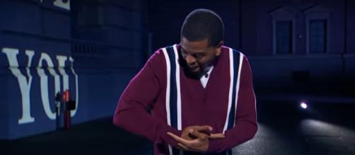 Brandon Leake moves the 'America's Got Talent' finals with loving words to his daughter. [Image source: AGT/YouTube]