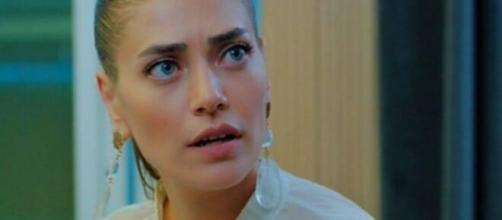 DayDreamer, trame puntate turche: Leyla scopre l'inganno di Aylin, Emre ha una nuova segretaria.