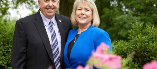 Missouri Governor Mike Parson and his wife Teresa test positive ... (Image via ABCNews/Youtube)