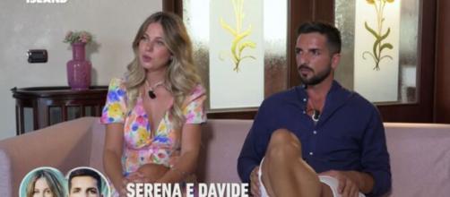 Temptation Island, Serena sarebbe pronta a lasciare Davide: 'Se accetta bene, sennò vai'.