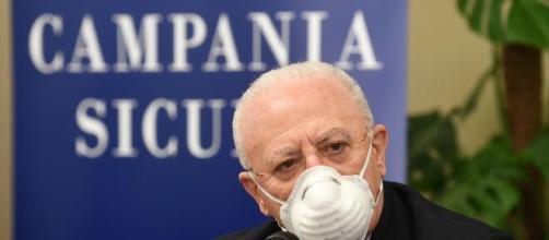 Coronavirus, boom di contagi in Campania, De Luca minaccia di chiudere tutto.