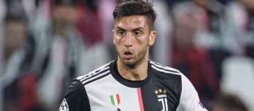 Rodrigo Bentancur dovrebbe partite titolare in Roma-Juventus.