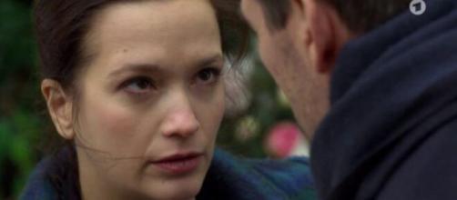 Spoiler Tempesta d'amore: Eva decide di andarsene.