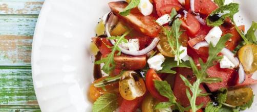 Consumir salada é essencial para um organismo saudável. (Arquivo Blasting News)
