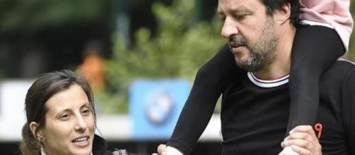 Matteo Salvini insieme alla ex moglie e alla figlia.