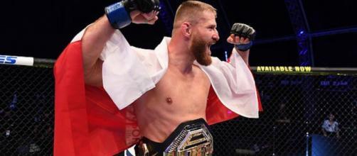 Blachowicz dio la gran sorpresa en UFC 253. - sherdog.com.