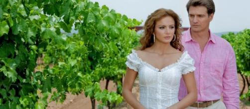 'Quando Me Apaixono' está sendo reprisada pelo SBT. (Reprodução/Televisa)