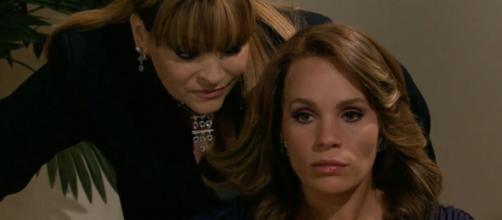 Roberta perde o bebê e sofre consequências em 'Quando Me Apaixono'. (Reprodução/Televisa)