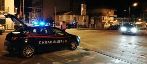 Coronavirus a Napoli, movida: quattro giovani multati perché senza mascherina, tre arresti.