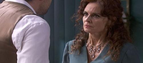 Il segreto, trame Spagna: Isabel si accorge dell'instabilità mentale di Rosa.