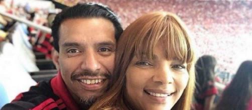 Flordelis com o marido, o pastor Anderson do Carmo em jogo do Flamengo. (Arquivo Blasting News)