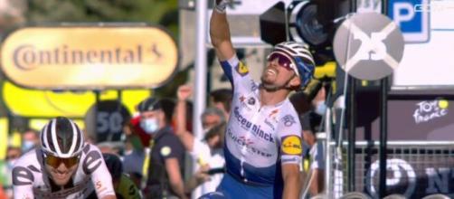 Julian Alaphilippe vincitore nella tappa di Nizza al Tour de France.