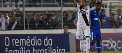 Cruzeiro e Ponte Preta estão em situações distintas pelo Campeonato Brasileiro da Série B. (Arquivo Blasting News)