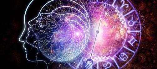 Astrologia del 5 settembre: nervosismo per Ariete e Leone impegnato.