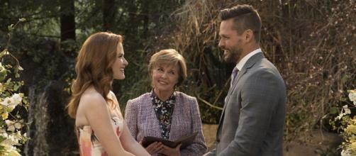 Nella quattordicesima stagione di Grey's Anatomy, April sposa Matthew. Arizona, invece, si trasferisce a New York da Callie.