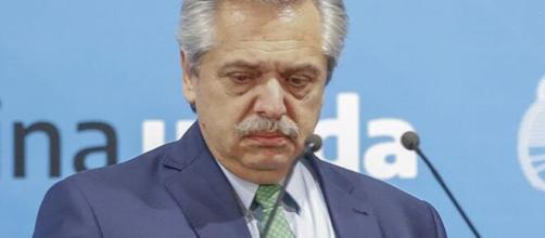 O presidente da Argentina Alberto Fernández se indaga o porquê dos Bolsonaro se importarem tanto com a Argentina. (Arquivo Blasting News)