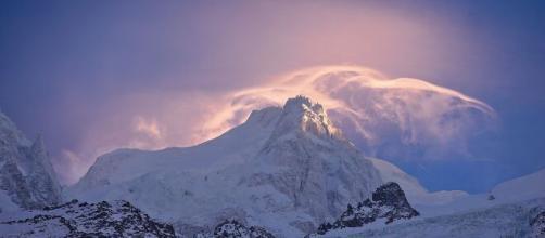 Incidenti in montagna: ragazza di 17 anni deceduta in Val Camonica, 49enne grave dopo una caduta sulle Dolomiti del Brenta.