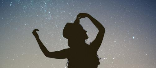 L'oroscopo di domani 10 settembre e pagelle 1ª parte: gran giovedì per Leone e Cancro.