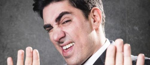 Mario Frias critica Adnet nas redes sociais. (Arquivo Blasting News)