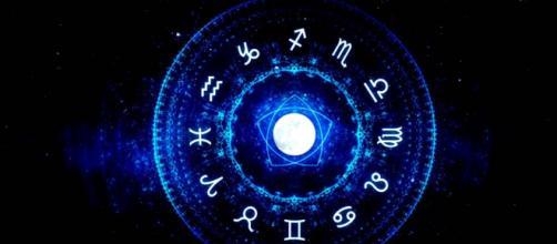 Previsioni oroscopo per la giornata di martedì 8 settembre 2020.