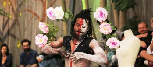 """L'artiste performeur Camerounais """"Snake"""", de la Cie Zora Snake (c) Cie Zora Snake"""