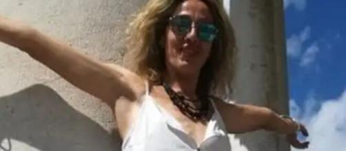 Tirrenia, Pisa: si appende alla trave per scattare una foto e perde la vita.
