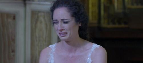 Un posto al sole, Susanna (Agnese Lorenzini) in lacrime.