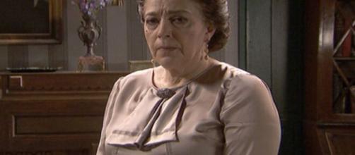 Il Segreto, trame al 19 settembre: Francisca decisa a lasciare il padiglione de La Habana.