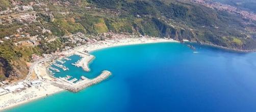 Palmi: una foto panoramica del litorale al largo del quale è stato avvistato un esemplare di balena.