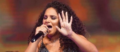Sarah Beatriz realiza live nesta terça-feira. (Reprodução/YouTube)