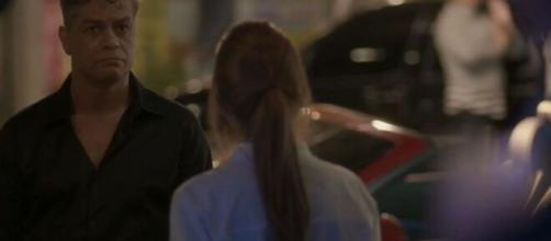 Arthur desiste de Eliza em 'Totalmente Demais'. (Reprodução/ TV Globo)