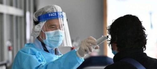"""Coronavirus : hausse des cas, le gouvernement va devoir """"prendre des décisions difficiles"""" - Photo capture d'écran Facebook"""