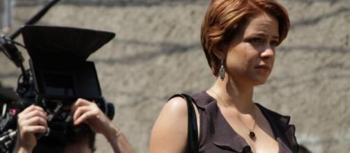 Leandra atuou em 'O Lobo atrás da Porta'. (Reprodução/YouTube)