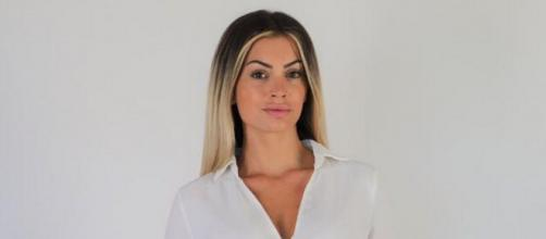 Mélanie Da Cruz (LMvsMonde5) très énervée contre des cambrioleurs, elle lance un appel !