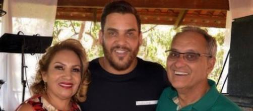 Pai de sertanejo Cauan se cura do Covid-19 e recebe alta após 11 dias internado em UTI. (Arquivo Blasting News)