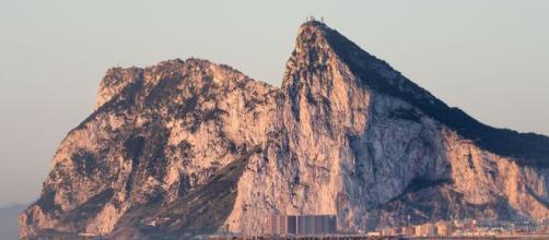 Principio de acuerdo para eliminar la barrera en Gibraltar